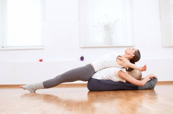йога вдвоём - асаны для начинающих