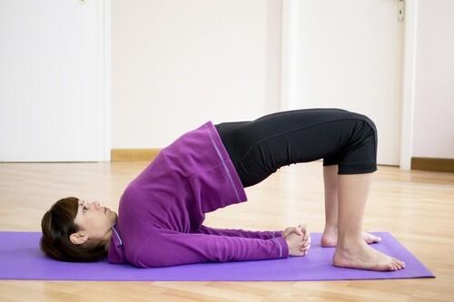 Йога в первом триместре: разминка