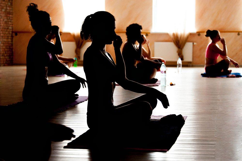 Как правильно дышать в йоге