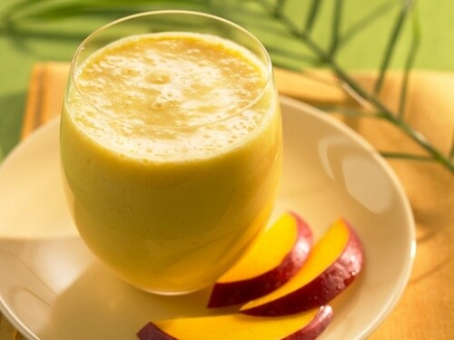Холодный смузи с манго