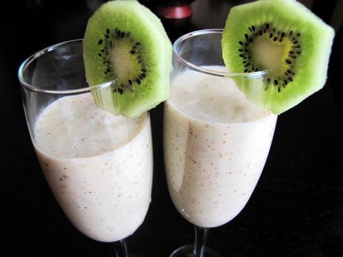 смузи мороженное киви банан