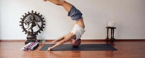 Современная йога, противопоказания к занятиям