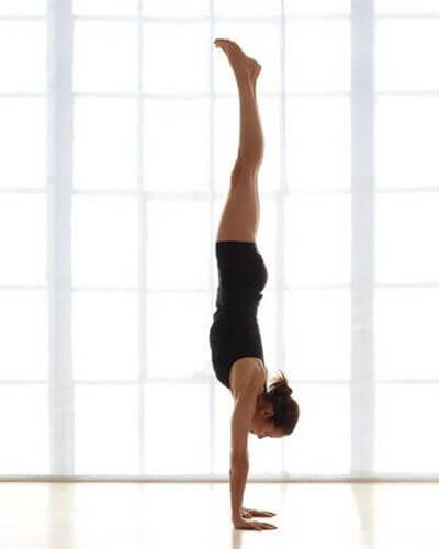 Cтойка на руках йога для всего организма