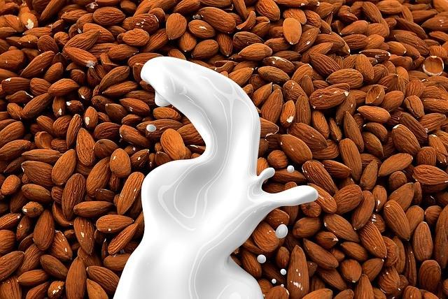 Почему веганы не пьют молоко